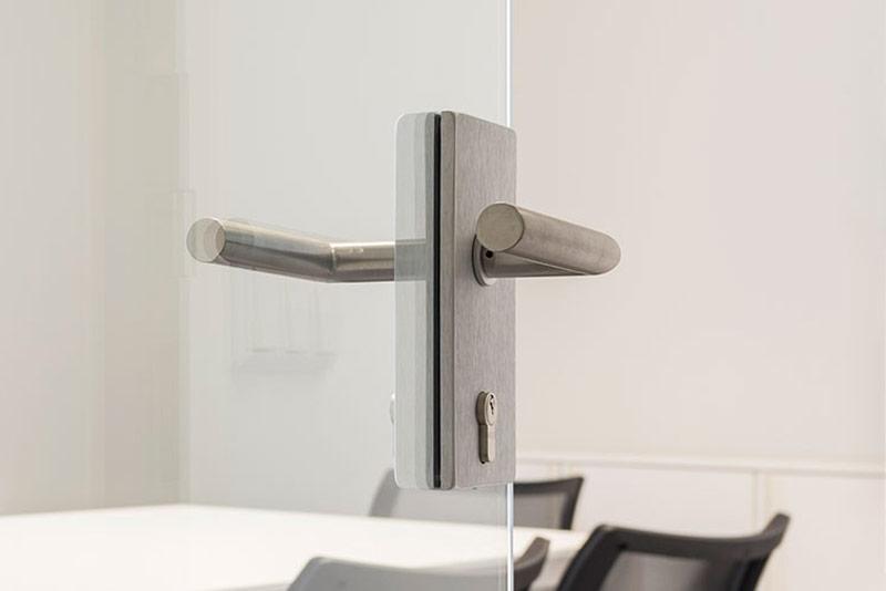 maniglia per porte in vetro